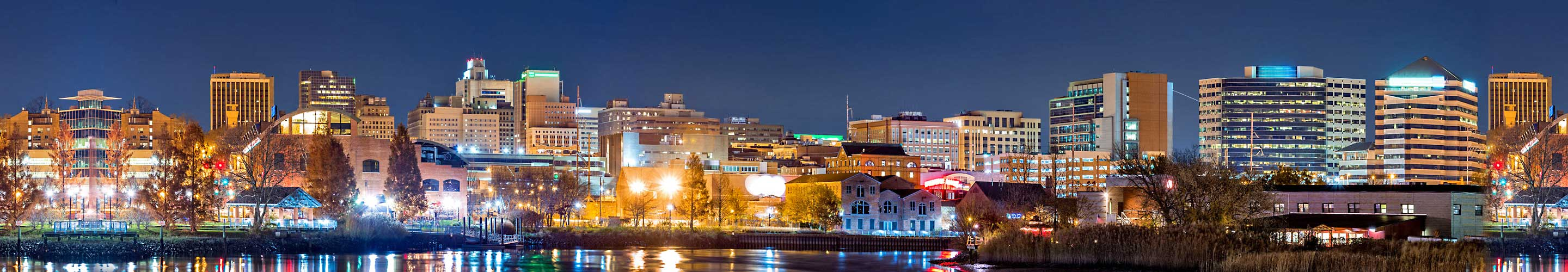 downtown wilmington at night